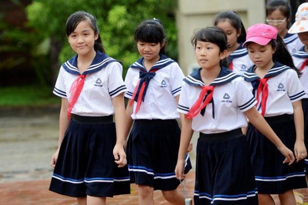 may dong phuc hoc sinh cap 2